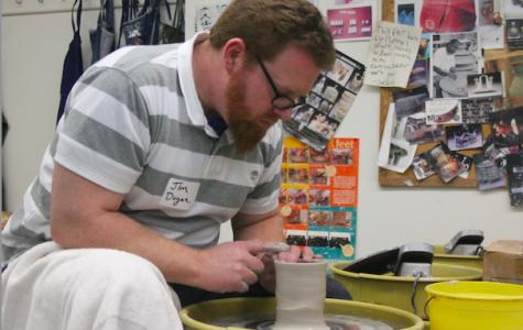 Potter Jim Dugan visits Flint Hill's ceramics program