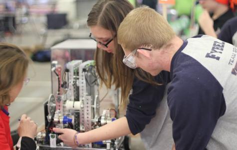 Upper School robotics program qualifies for local tournament, state championship